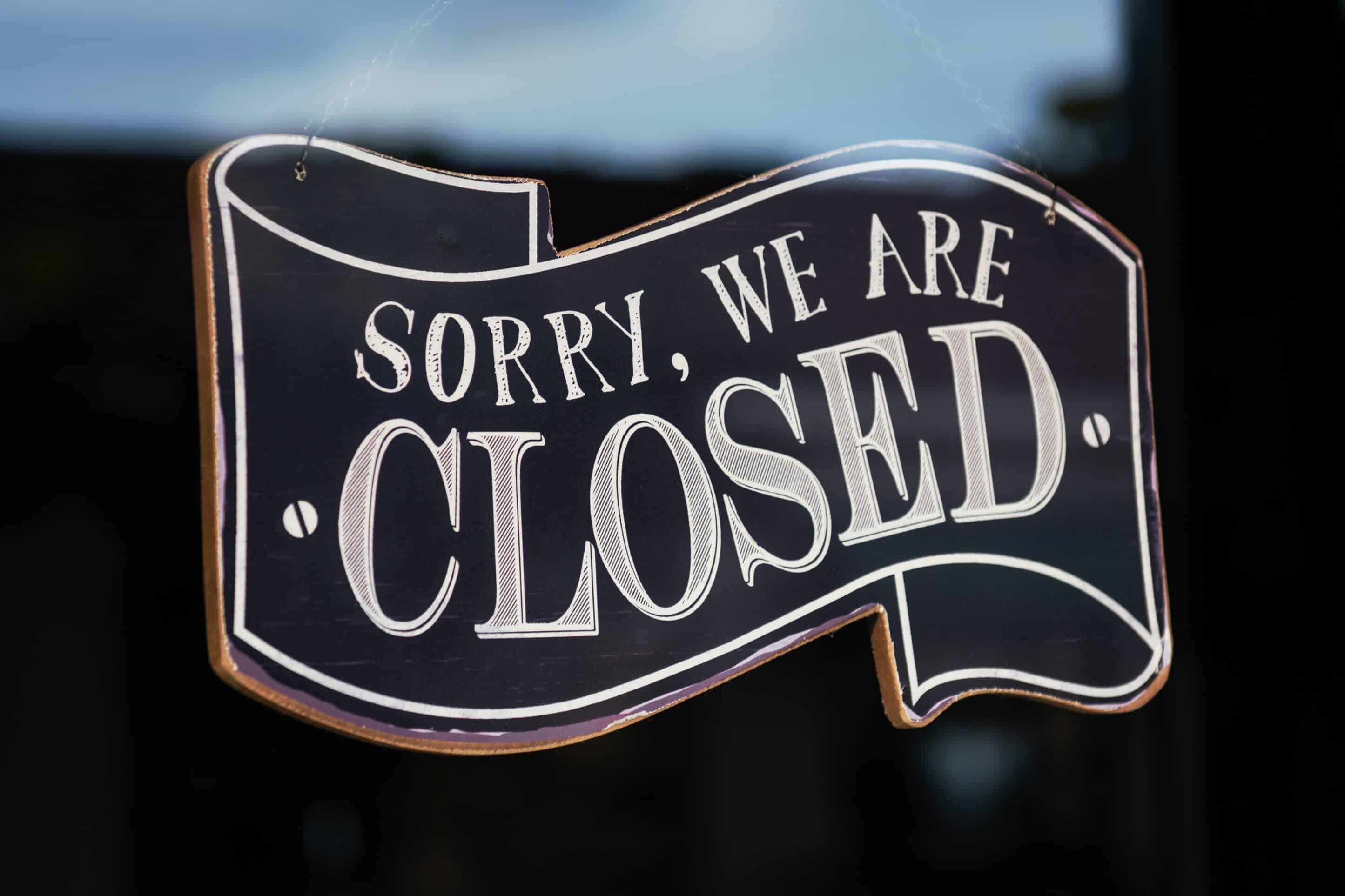 sorry we are closed COVID1-